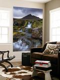 Rocky Stream with Waterfalls Below Slaettaratindur Mountain, Eysturoy, Faroe Islands Fototapete von Adam Burton