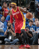 Houston Rockets v Dallas Mavericks - Game Three Fotografía por Danny Bollinger
