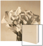 Calla Lilies in Vase Wood Print by Ann Cutting