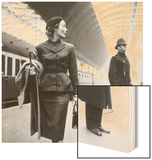 Victoria Station, London Wood Print by Toni Frissell
