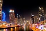Dubai Marina by Night Fotografisk tryk af loya_ya