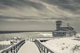 Massachusetts, Cape Cod, Race Point, Old Harbor Life Saving Station Fotografisk trykk av Walter Bibikow