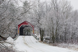 Red Covered Bridge in the Winter; Adamsville Quebec Canada Fotografisk tryk af Design Pics Inc