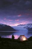 Kayaker Tent Camping at Dusk Pederson Glacier Kenai Fjords Np Kp Ak Fotografisk tryk af  Design Pics Inc
