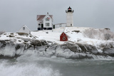 Maine's Nubble Lighthouse Shines on a Cold Winter's Day Fotodruck von Robbie George