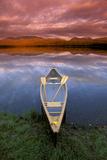 Canoe on Otter Lake Evening Light Southcentral Alaska Summer Scenic Reproduction photographique par  Design Pics Inc