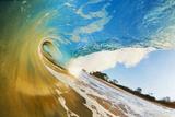 Hawaii, Maui, Makena, Beautiful Blue Ocean Wave Breaking at the Beach Papier Photo par  Design Pics Inc