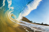 Hawaii, Maui, Makena, Beautiful Blue Ocean Wave Breaking at the Beach Fotografisk tryk af  Design Pics Inc