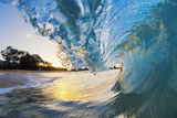 Hawaii, Maui, Makena, Beautiful Blue Ocean Wave Breaking at the Beach at Sunrise Reproduction photographique par  Design Pics Inc