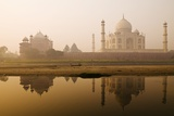 Taj Mahal in Early Morning; Agra, India Photographic Print by  Design Pics Inc
