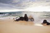 Hawaii, Maui, Surf Crashes onto Big Beach Papier Photo par  Design Pics Inc