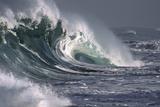 Hawaii, Big Powerful Wave Break Fotografisk tryk af Design Pics Inc