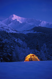 Tent Decorated Christmas Lights Chugach Nf Kp Alaska Snow Mountains Reproduction photographique par  Design Pics Inc