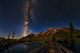 The Milky Way Shines over the Teton Range Fotografisk tryk af Babak Tafreshi
