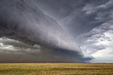 A Supercell Thunderstorm Produces a Spectacular Shelf Cloud over Cropland Fotografie-Druck von Jim Reed