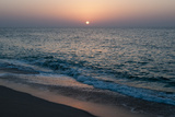 Sunset in Ras Al Hadd, Oman, and the Junction of the Gulf of Oman and Arabian Sea Papier Photo par Sergio Pitamitz