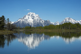 A Mountain Reflected in a Lake in Yellowstone National Park, Wyoming Fotografisk tryk af Joel Sartore