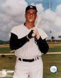 Roger Maris - 2 Bat on shoulder Photo