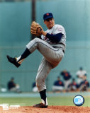 Tom Seaver - Ball in glove Photo