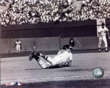 Brooks Robinson - Diving catch, sepia Photo