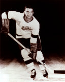 Ted Lindsay - Skating, sepia Photo