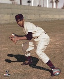 Ernie Banks - Fielding, posed Photo