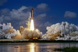 Launch of the Space Shuttle Discovery 写真プリント : ロジャー・レスマイヤー