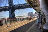 Manhattan Waterfront Bike Path Lámina fotográfica por  EvanTravels