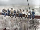 クロス梁で昼食をとるニューヨークの建設作業員たち 写真プリント