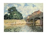 Bridge at Hampton Court, 1874 Giclee Print by Alfred Sisley