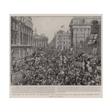 The News of the Relief of Ladysmith, the Demonstration in Front of the Mansion House Giclee Print
