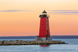 Morning at Manistique Lighthouse Reproduction photographique par Kenneth Keifer