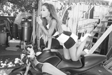 Ariana Grande Cycle アートポスター