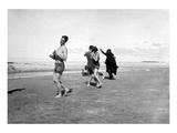 Dancing on Beach Giclée-tryk af Underwood