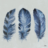 Indigo Feathers II Kunstdruck von Patricia Pinto
