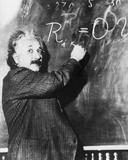 Einstein Writing Equation on Blackboard Photographie