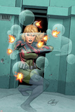 Marvel Adventrues Super Heroes No.7 Cover: Invisible Woman Crouching Posters por Clayton Henry