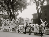 Bi-Centenary Celebration, Floral Parade, Freeman, Delameter Co. Float, Detroit, Mich. Photo