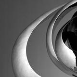 Orbit I Wydruk giclee autor Tony Koukos