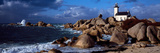 Lighthouse on the Coast, Pontusval Lighthouse, Brignogan, Finistere, Brittany, France Papier Photo par Panoramic Images