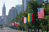 National Flags of Various Countries at Benjamin Franklin Parkway, Philadelphia, Pennsylvania, Usa Reproduction photographique par Green Light Collection