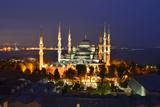 The Blue Mosque, at Dusk Fotografisk tryk af Raul Touzon
