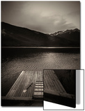 A Small Dock on Vermillion Lakes at Dusk Posters av Keith Barraclough