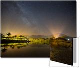 The Milky Way Above Praia Itamambuca in Ubatuba, Brazil Posters af Alex Saberi