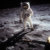 "1st Steps of Human on Moon: American Astronaut Edwin ""Buzz"" Aldrinwalking on the Moon 写真"