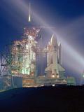 Exposition Nocturne De La Navette Spatiale Columbia Pour Sa 1Ere Mission Sts-1 Le 3 Mai 1981 Photo