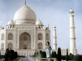 Jackie Kennedy in Front of the Taj Mahal, 15th March, 1962 Photo