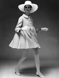 Presentation on February 19, 1967 of Fashion by Jacques Heim, Paris : Dress Coat with Hat Photo