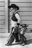Neg:64518Pl Un Jeune Cow Boy Et Le Singe Savant Au Far West Le 27 Septembre 1960 Photo