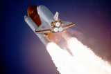 Space Shuttle Atlantis Takes Flight on its Sts-27 Mission on December 2, 1988, 9:30 A.M. EST Fotografía